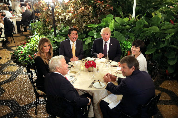 Japanese Prime Minister Shinzo Abe and Akie Abe (R) attend dinner with U.S. President Donald Trump his wife Melania (L) at Mar-a-Lago Club in Palm Beach, Florida U.S., February 10, 2017. REUTERS/Carlos Barria