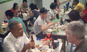 Celebrity chef relives Obama's street food experience in Hanoi