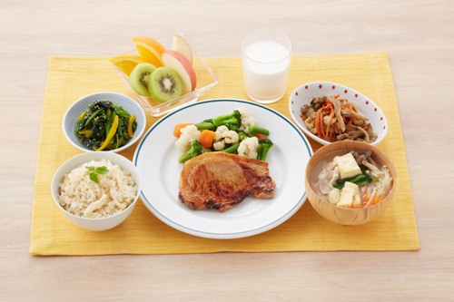 The Victory Meal as part of the Kachimeshi Program includes five dishes which provide nutritional balance with carbohydrates, protein and fiber.