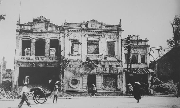 hanoi-after-the-war-began-10