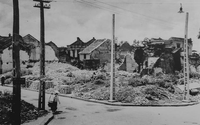 hanoi-after-the-war-began-2