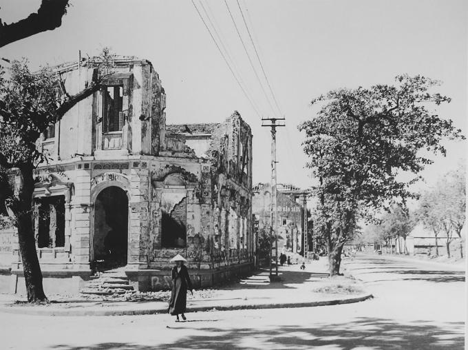 hanoi-after-the-war-began-5