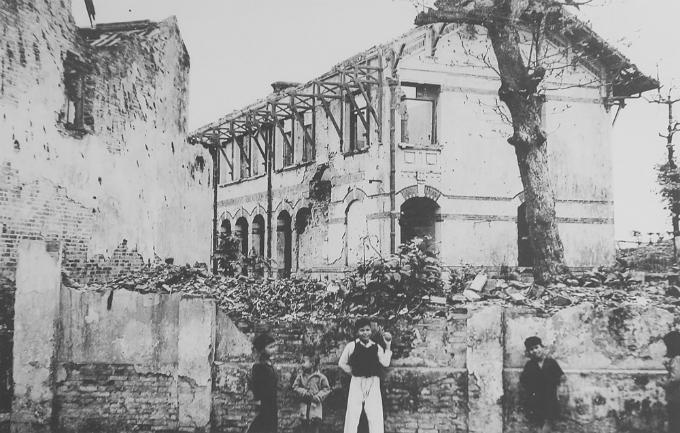 hanoi-after-the-war-began-7