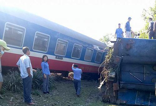 truck-train-collide-in-central-vietnam-killing-three-1