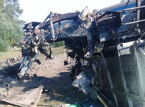 truck-train-collide-in-central-vietnam-killing-three-2
