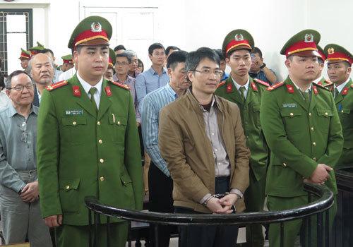 2 executives get death sentence in Vietnam's major shipping scandal