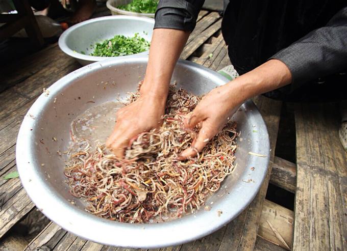 raw-fish-salad-vip-dish-by-vietnams-thai-people-4