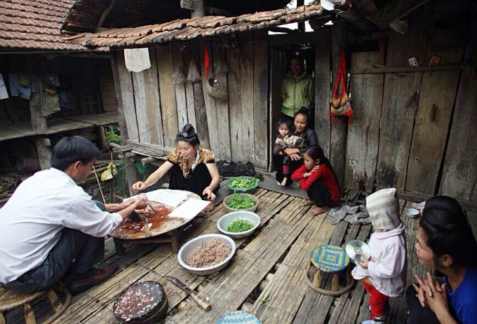 raw-fish-salad-vip-dish-by-vietnams-thai-people-5