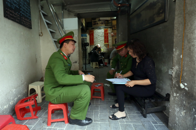 battle-for-the-sidewalks-here-comes-hanoi-3