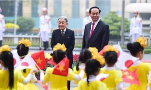 Vietnam welcomes Japan emperor, empress in first visit