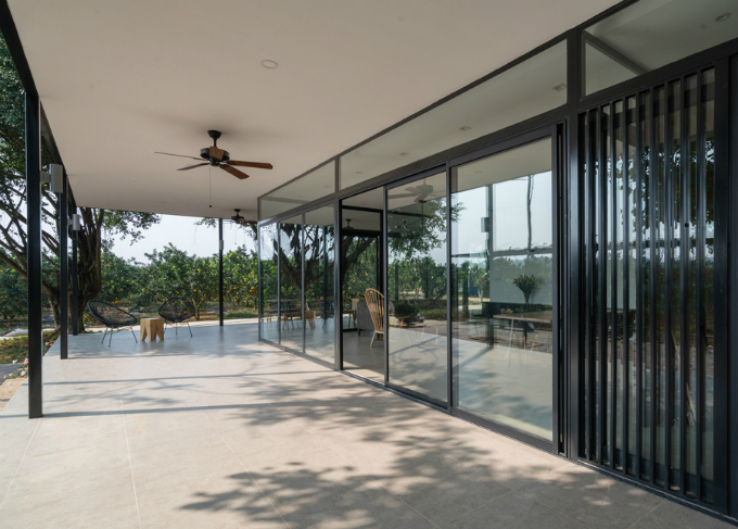 glass-house-offers-perfect-mountain-view-a-stones-throw-from-hanoi-4
