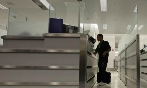 U.S. suspends fast processing of high-tech visa applications