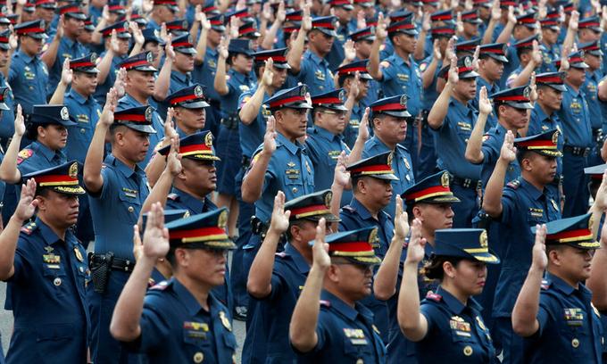 Philippine police 'reload', rejoin drug war
