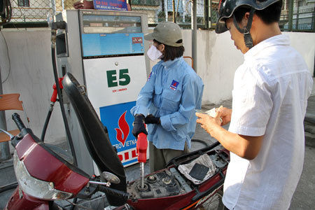 Vietnam revives biofuel plan, sets national switch in 2018