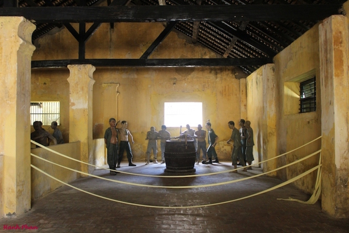 Inside Con Daos biggest prison Phu Hai, today a museum, known as hell on earth. During the French colonial period, Vietnams revolutionary leaders like Nguyễn Duy Trinh, Phan Chu Trinh, Huỳnh Thúc Kháng, Ngô Đức Kế were held and tortured here. Photo by VnExpress/Phan Ngoc Hanh