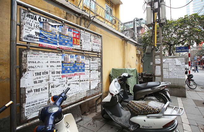hanoi-mayor-dials-up-fight-against-graffiti-advertisements-2