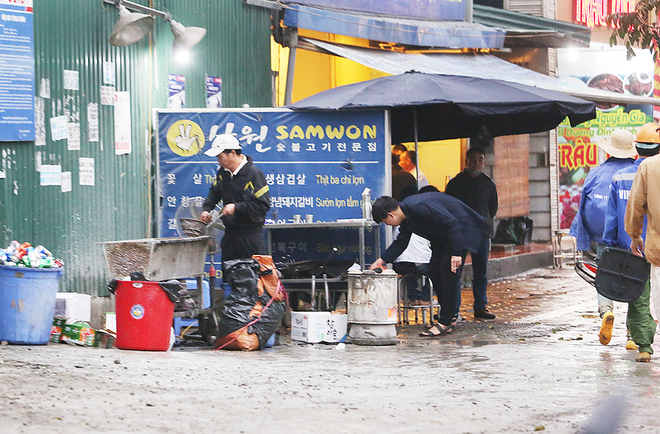 hanoi-wants-to-scrap-sidewalk-fires-to-improve-citys-image