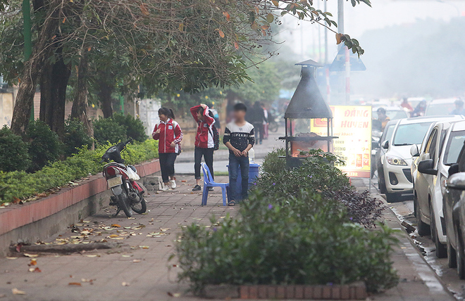 hanoi-wants-to-scrap-sidewalk-fires-to-improve-citys-image-6