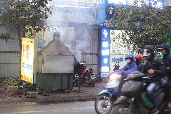 hanoi-wants-to-scrap-sidewalk-fires-to-improve-citys-image-7