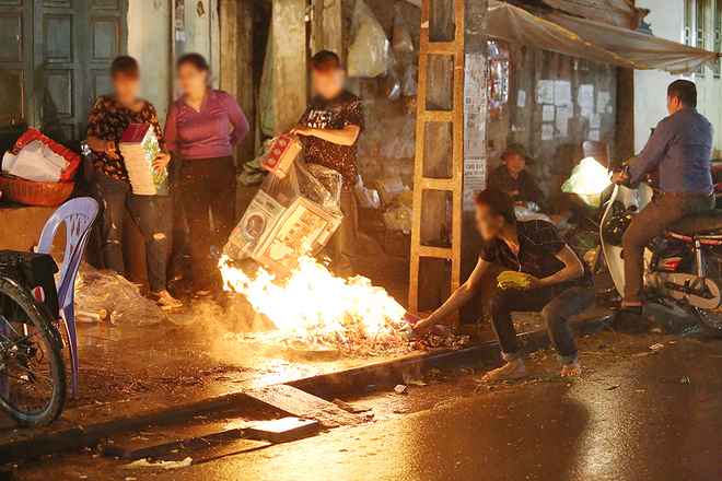 hanoi-wants-to-scrap-sidewalk-fires-to-improve-citys-image-8
