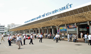 Vietnam customs thwart attempt to smuggle cameras from Hong Kong