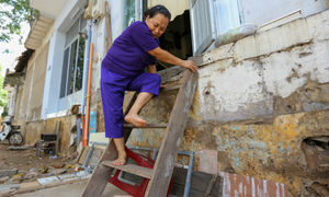 Uphill challenge for Saigon residents with doorsteps ripped out