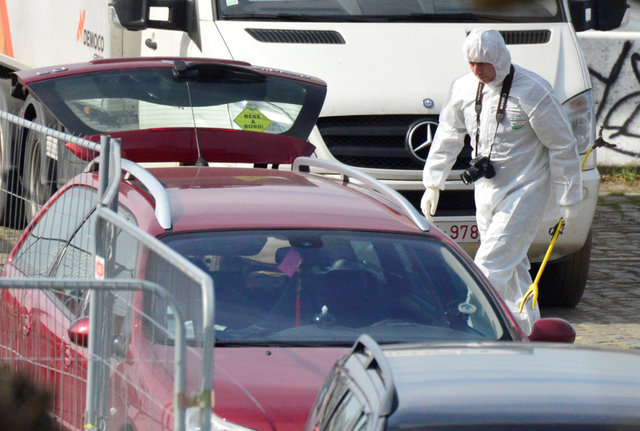 man-tries-to-drive-into-crowd-in-belgiums-antwerp-shopping-street