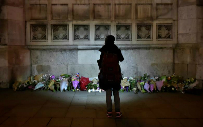 in-photos-mourning-for-london-9
