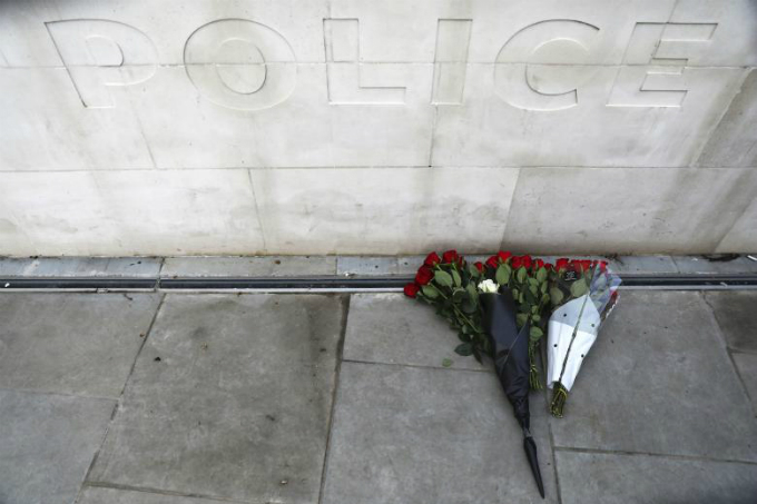 in-photos-mourning-for-london-12