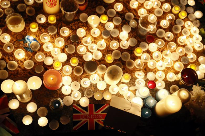 in-photos-mourning-for-london-7
