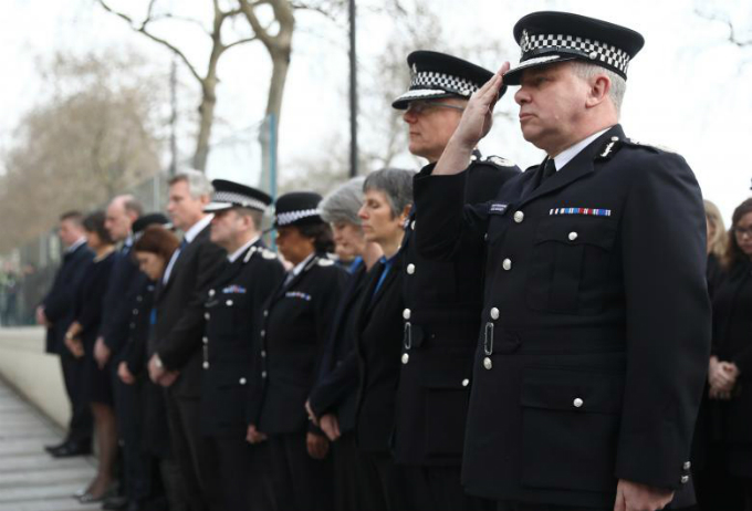in-photos-mourning-for-london-13