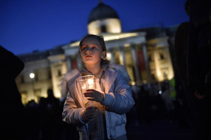 in-photos-mourning-for-london-10