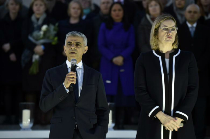 in-photos-mourning-for-london-8
