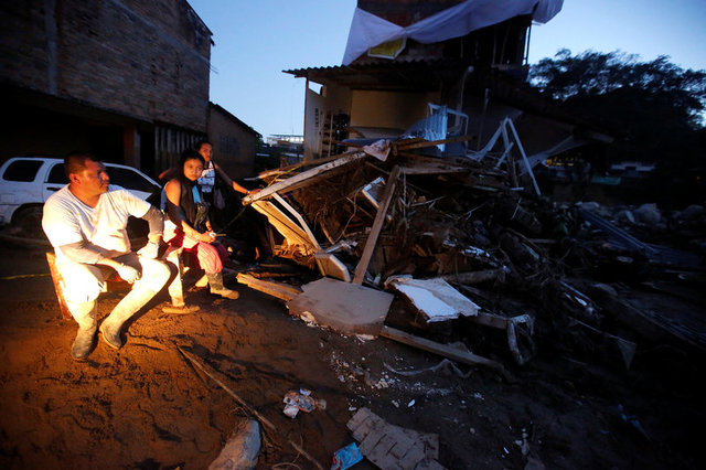 colombia-mudslide-flooding-kill-254-in-midnight-deluge-4