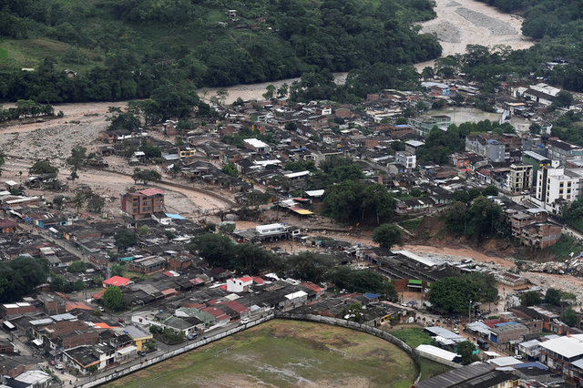 colombia-mudslide-flooding-kill-254-in-midnight-deluge-3