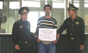 Vietnam arrests three Colombians for $75,000 street snatch
