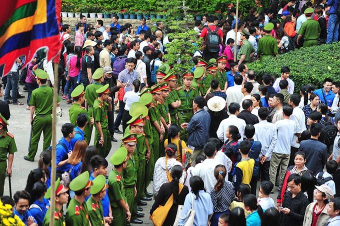 hung-kings-festival-draws-massive-crowd-in-vietnam-4