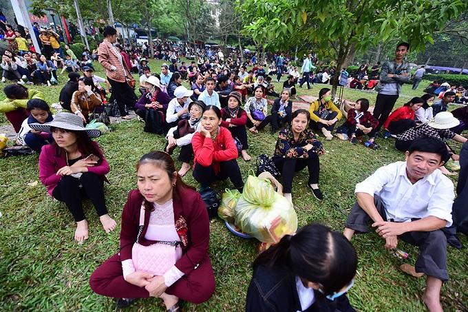 hung-kings-festival-draws-massive-crowd-in-vietnam-2
