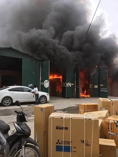 fire-descimates-hanoi-warehouse-complex-1
