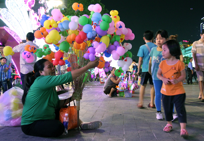 Saigon suggests bending the vending ban along popular walking street