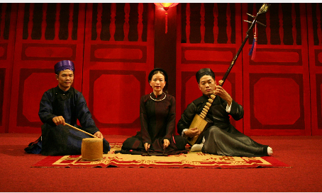 Vietnam traditional music: Ca Tru Performance