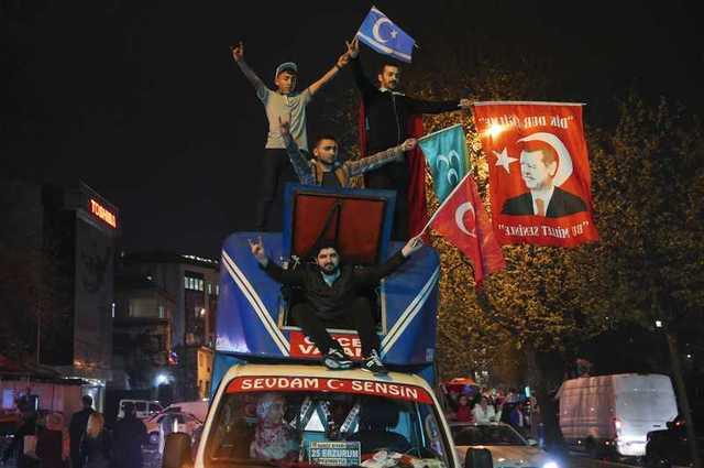 turkeys-erdogan-declares-referendum-victory-opponents-plan-challenge