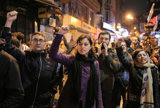 turkeys-erdogan-declares-referendum-victory-opponents-plan-challenge-3