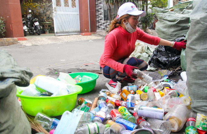 how-45-800-windfall-turns-business-around-for-saigon-scrap-collector