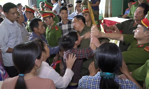 dead-girls-family-crashes-media-event-after-vietnamese-man-cleared-of-murder