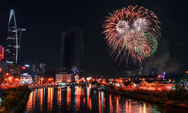 Vietnam douses Saigon's plan for fireworks to mark Reunification Day