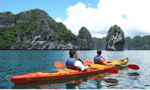 Tourists can go kayaking again in Ha Long Bay this May