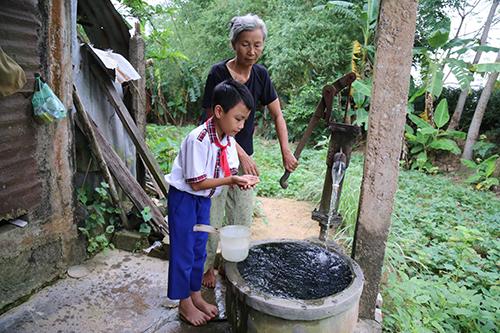 Cancer haunts village in central Vietnam after claiming 40 lives