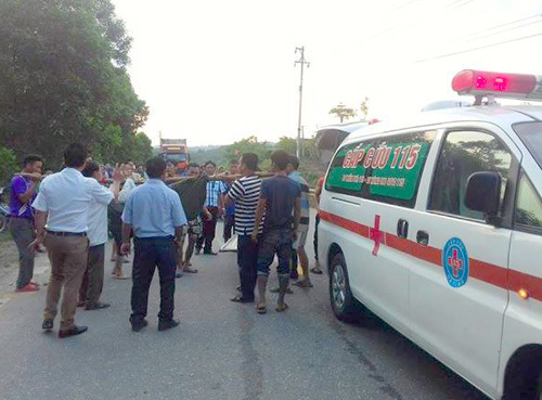 Vietnamese man killed in blast while cutting open warhead