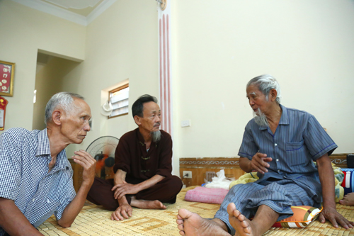 village-dignitary-out-of-hospital-following-vietnam-hostage-crisis-1